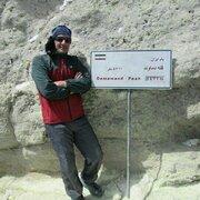 صعود مقتدرانه مربی کانون پرورش فکرس استان کرماناه به قله دماوند