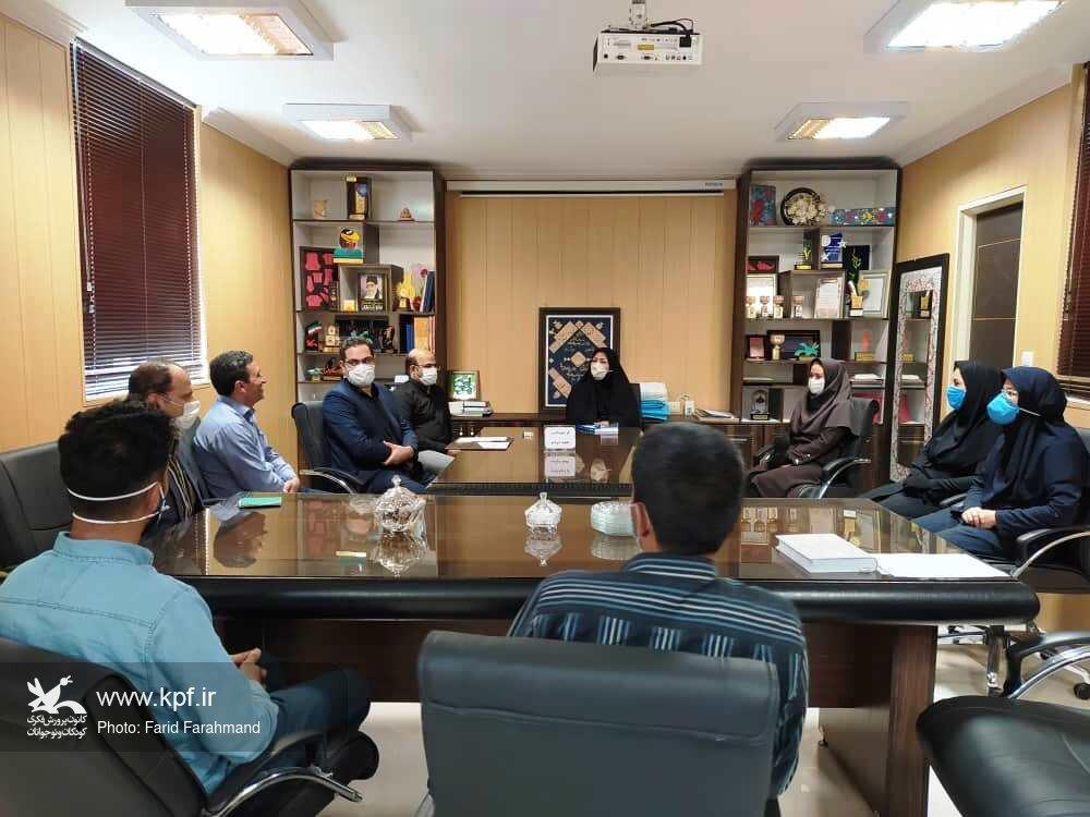 تجلیل از همکاران در ویژه برنامهی گرامیداشت هفتهی دولت