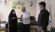 اهدای لوح سپاس آستان قدس رضوی به مدیرکل کانون استان قزوین