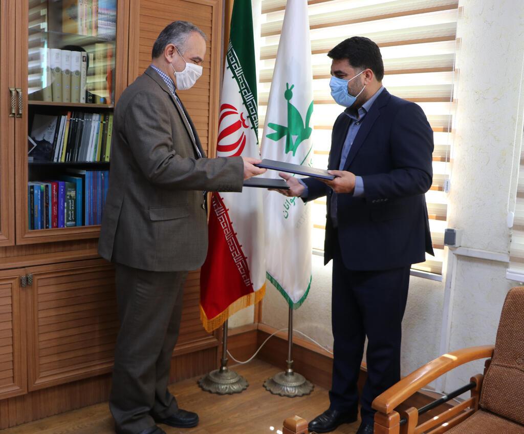 امضای تفاهمنامه همکاریهای مشترک کانون و پست استان گیلان