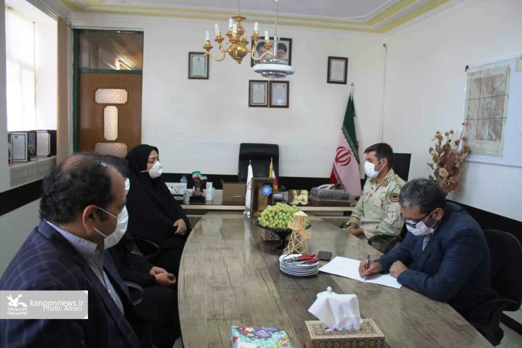 دیدار مدیرکل کانون استان با فرمانده هنگ مرزی زاهدان
