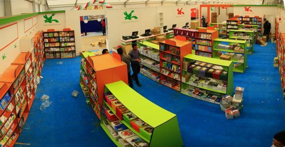 آمادهسازی غرفه کانون در بیست و نهمین نمایشگاه بینالمللی کتاب تهران