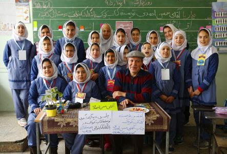 دیدار نویسندگان کودک و نوجوان با کودکان تبریزی در مدارس و مراکز کانون