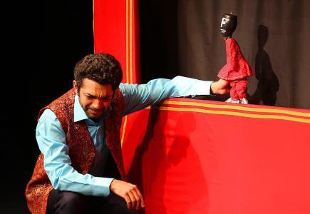 اجرای نمایش مبارک و قالیچه پرنده در مرکز تئاتر کانون