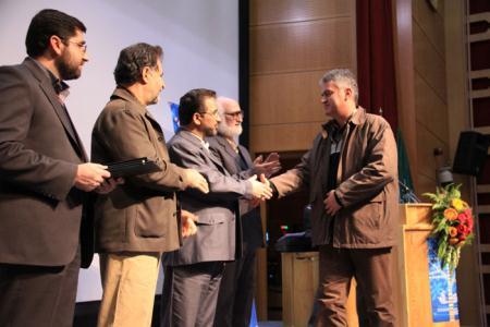 جشنواره کتاب کودک و نوجوان به برترینها جایزه داد