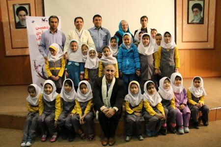 اعزام قصهگویان به مدرسه اتباع افغانستان