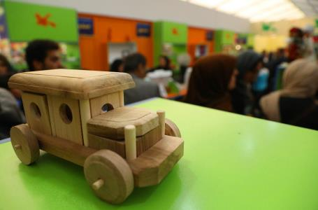 کامیون چوبی، جورچین کودکان