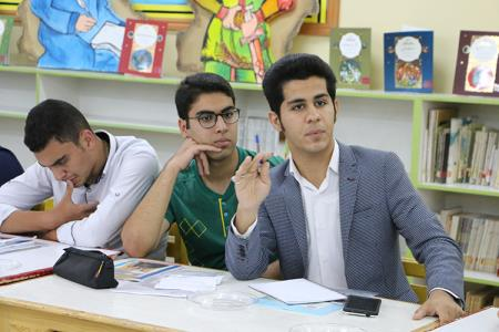 درخشش عضو انجمن ادبي آفرينش سمنان در مسابقه نقد ادبي