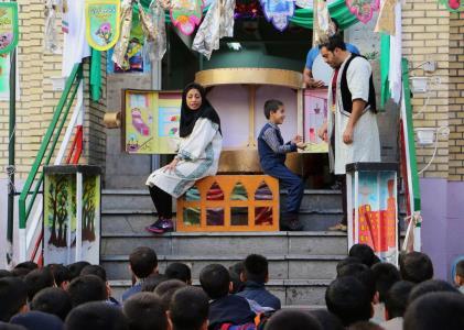مدارس تهران میزبان نمایش ماجرای احمد و سارا