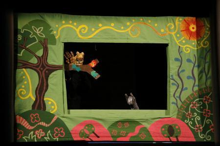 """نمایش """"گروفالو"""" از جشنواره چادر خیال تاجیکستان دیپلم افتخار گرفت"""